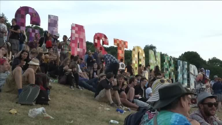 Glastonbury deste ano contaria com atrações como Paul McCartney e Taylor Swift