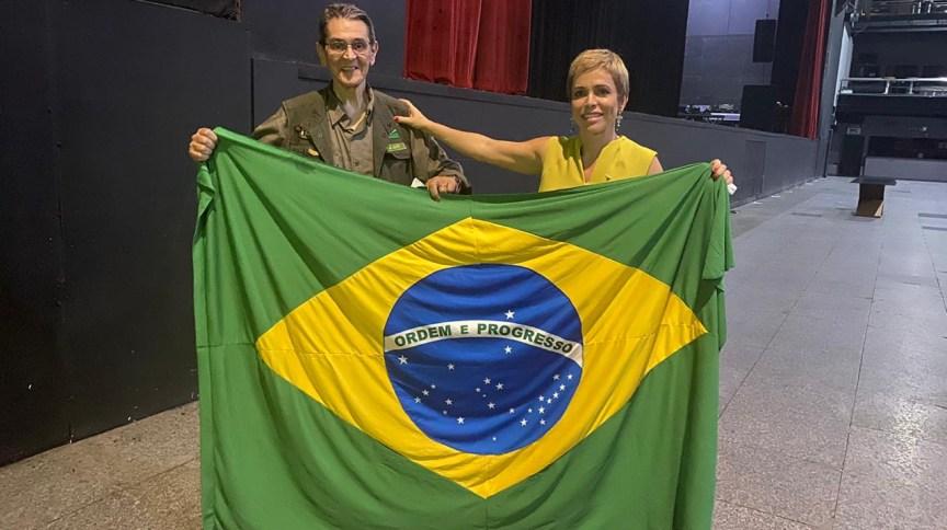 Roberto Jefferson com a filha e ex-deputada federal, Cristiane Brasil, na convenção do Partido Trabalhista Brasileiro (PTB)