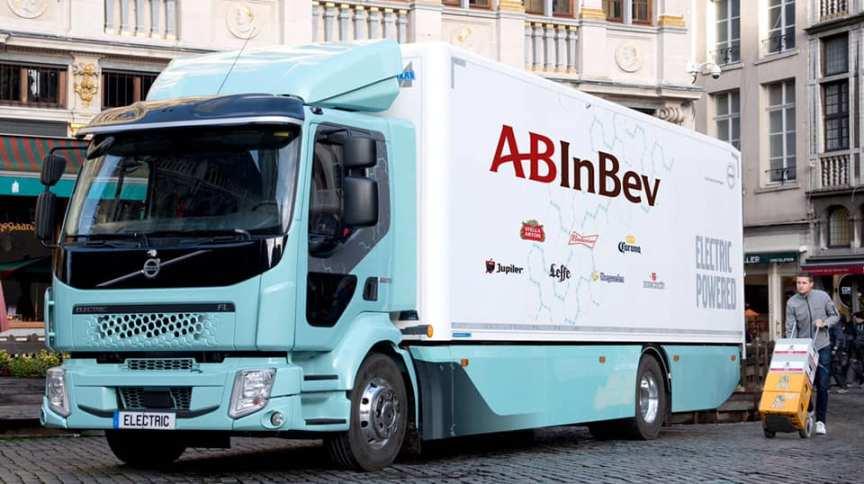 Caminhão elétrico da gigante das bebidas AB Inbev