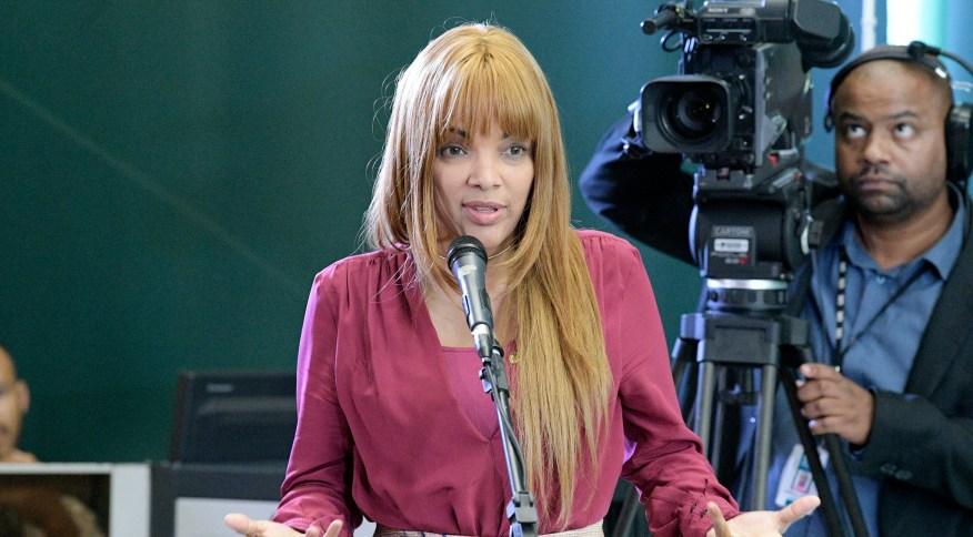 "Deputada Flordelis durante pronunciamento sobre Projeto Pauta Feminina ""Março Mulheres"""