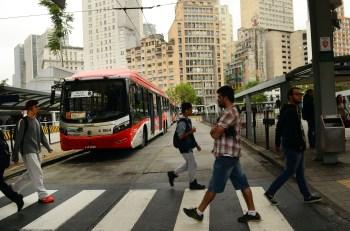 Algumas cidades retomaram atividades antes de acordo com o governo