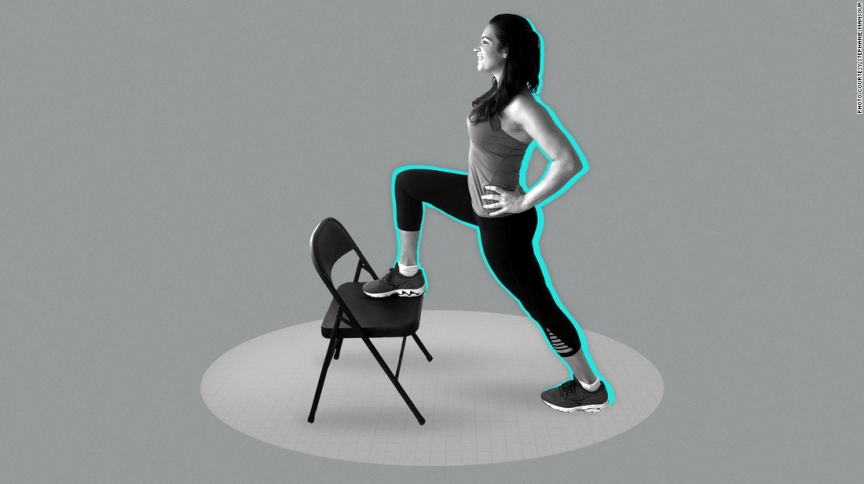 Acha que não tem tempo para se exercitar? Junte-se a Stephanie Mansour para uma série em cinco partes de treinos de cinco minutos para se mexer novamente. Aqui está a Parte III.