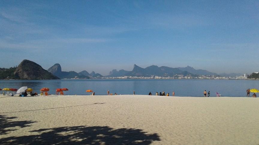 Prefeitura de Niterói, no RJ, fechará praias a partir de sábado (20) para tentar impedir avanço do novo coronavírus