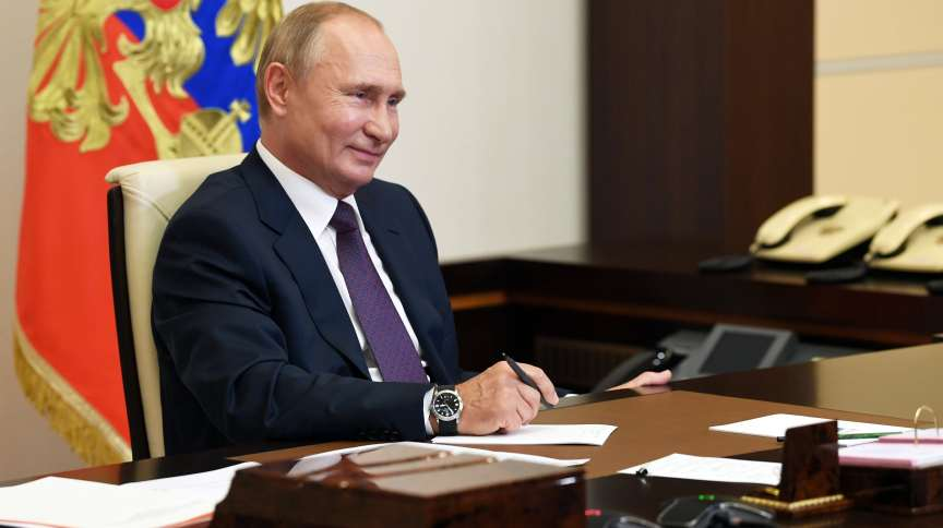 Vladimir Putin, presidente da Rússia, será vacinado contra a Covid-19 com a vacina Sputnik V