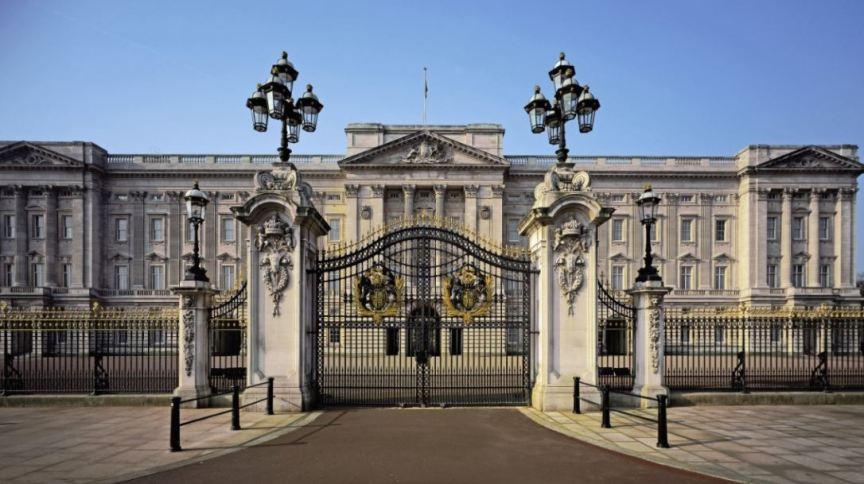 Realidade CNN revela os segredos dos palácios de Elizabeth II