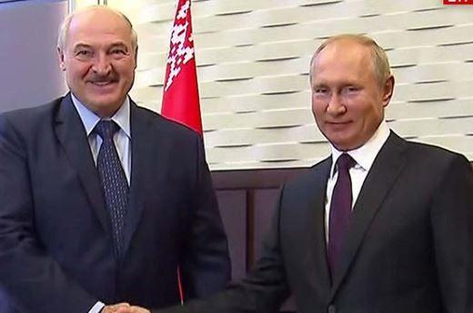 Vladimir Putin e Alexandr Lukashenko se reúnem em Sochi, na Rússia, em 14 de setembro de 2020