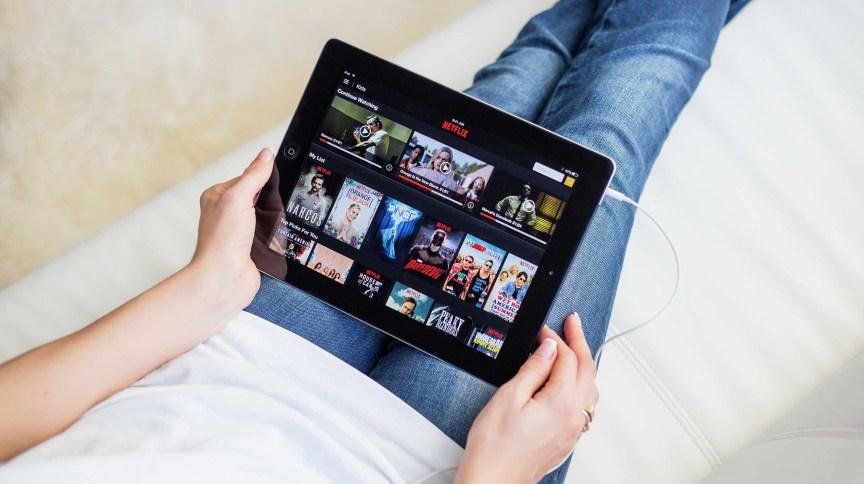 União Europeia pede a plataformas de streaming que reduzam a qualidade dos vídeos diante dos múltiplos acessos