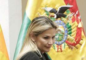 Áñez disse ser vítima de perseguição política e que o partido na presidência reinstala a ditadura