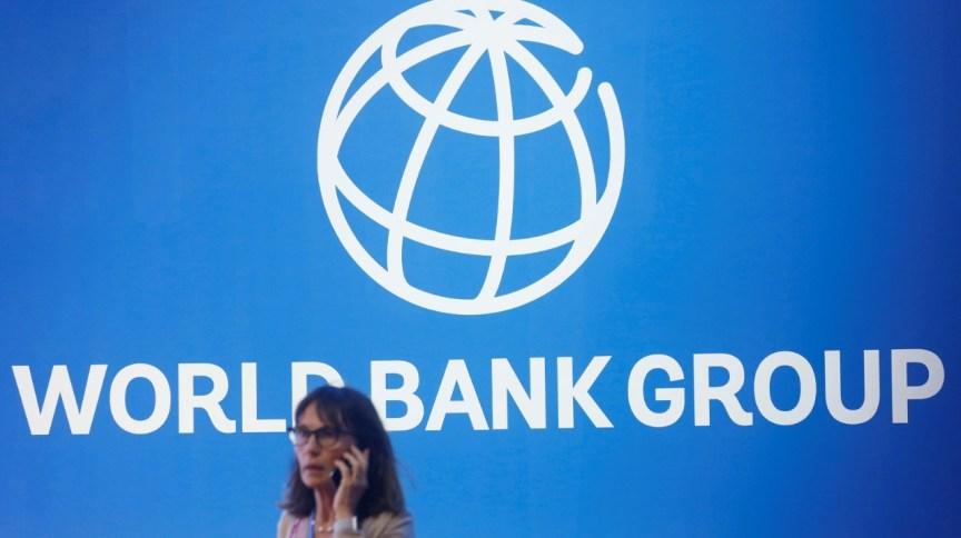 Logotipo do Banco Mundial em letreiro