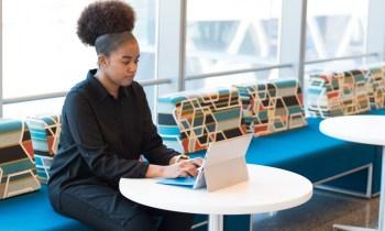 A empresa quer atrair mais diversidade racial para o quadro de funcionários, incluindo cargos de liderança. O salário é de R$ 6,6 mil com bônus de contratação
