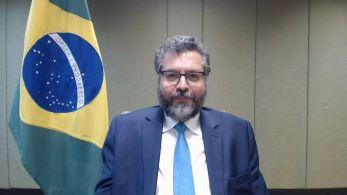 Ministro das Relações Exteriores apresentou ao presidente da Câmara um resumo das ações do Itamaraty para ajudar na compra de vacinas e insumos