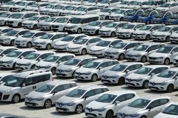 Os preços de automóveis dispararam no Brasil ao longo de 2020, impulsionados entre outros fatores pelo salto nos preços de matérias-primas