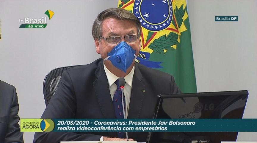 Em conferência com empresários, Bolsonaro disse que economia não pode parar para evitar catástrofe