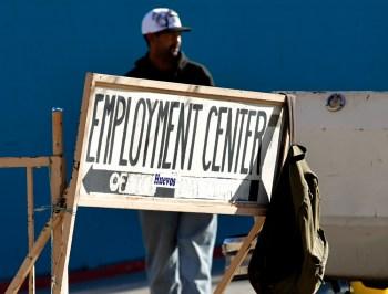 Esse foi o nível mais baixo de pedidos de auxílio-desemprego desde meados de março de 2020