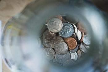 Enquanto clientes polpudos têm investimentos espalhados por uma série de aplicações diferentes, correntista médio ainda deixa quase tudo que tem na renda fixa