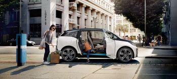 As vendas das marcas BMW e Mini aumentaram 8,6% no terceiro trimestre, graças a uma alta de 31% na China, que ajudou a compensar a queda de 15,7% nos EUA