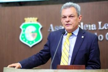 Deputado estadual desde 1995, político do PDT tem acompanhado mudanças políticas do grupo liderado por Ciro Gomes e Cid Gomes
