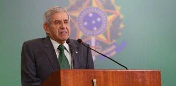 O ministro chefe do GSI, general Augusto Heleno, negou que a Agência Brasileira de Inteligência produziu relatórios em favor do senador Flávio Bolsonaro