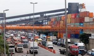 Movimentação de contêineres no Porto de Santos aumenta 20% de janeiro a agosto