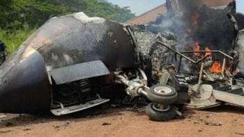 Ministro do governo Maduro postou imagens de aeronave sem fornecer detalhes sobre como foi abatida e o que transportava