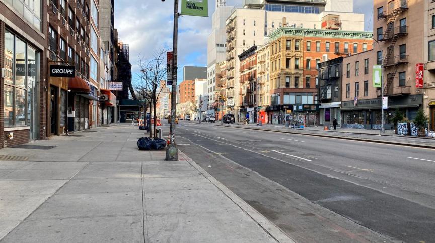 As ruas da sempre movimentada Manhattan estão vazias em meio à pandemia do novo coronavírus