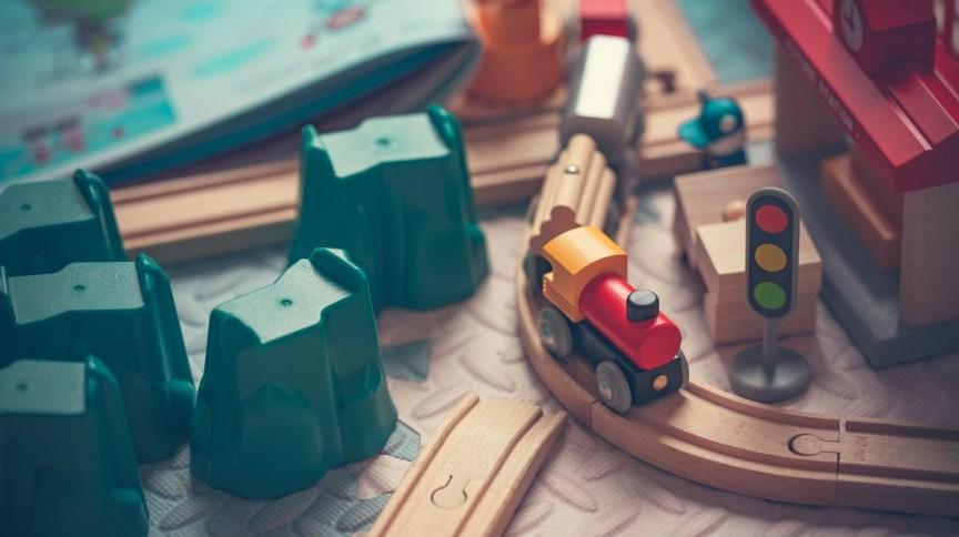Brinquedos em uma mesa: expectativa é que data ajude a compensar um pouco as quedas nas datas comemorativas anteriores, como Dia dos Pais e o das Mães