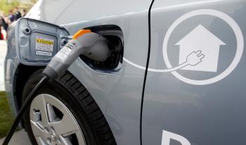 O maior desafio que os proprietários de carros elétricos enfrentam é de onde carregar seus veículos.