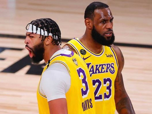 LeBron James e Anthony Davis, do Los Angeles Lakers