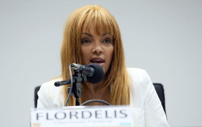 Em depoimento na Comissão de Ética, Flordelis negou envolvimento na morte do pastor Anderson
