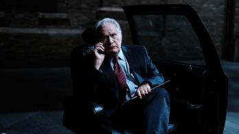 Em trailer divulgado na quinta-feira (8), a HBO Max mostrou pela primeira vez a adaptação teatral feita para a série