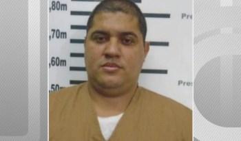 O traficante, acusado na ação pelo crime de organização criminosa, não foi inocentado: ele apenas não poderia ser condenado duas vezes pelo mesmo crime