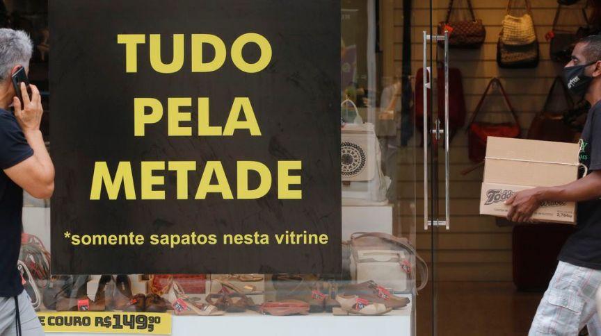 Movimento do comércio de rua durante a flexibilização do isolamento social no Rio de Janeiro
