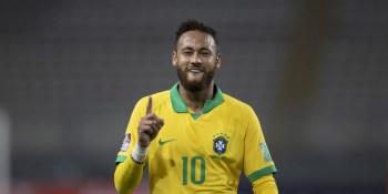 O atacante do PSG marcou três dos quatro gols do Brasil e se tornou o segundo maior goleador de todos os tempos da Seleção