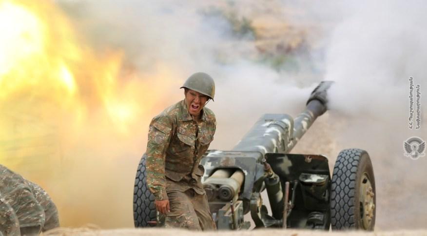 Soldado armênio dispara contra forças do Azerbaijão durante confronto