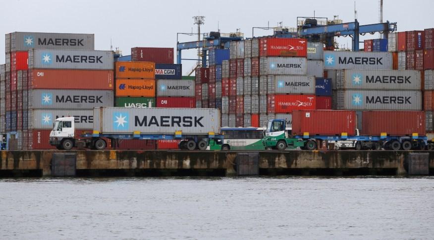 Os principais portos do país, estão localizados em Los Angeles e Long Beach