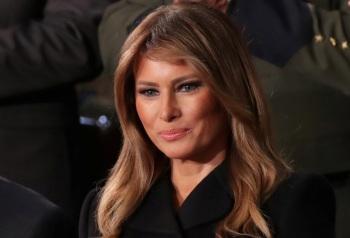 Ex-assessora revelou obsessões da ex-primeira-dama, os bastidores da polêmica jaqueta usada por Melania e os apelidos dados por funcionários da Casa Branca