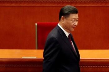 Xi Jinping disse aos soldados para serem 'absolutamente leais, absolutamente puros e absolutamente confiáveis'