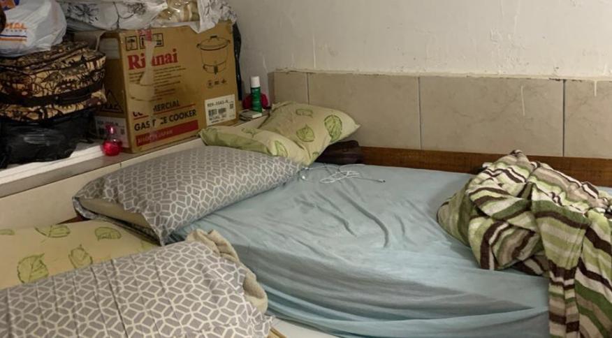 Depósito da pastelaria onde os dois trabalhdores dormiam