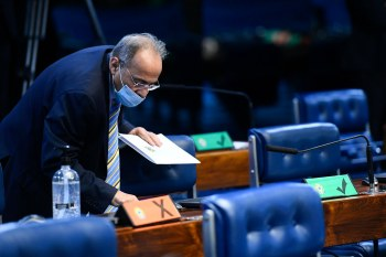 Roberto Livianu diz que foi legalmente correto o ministro Barroso levar para o plenário a decisão sobre o afastamento de senador flagrado com dinheiro na cueca
