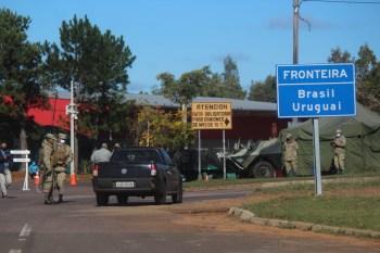 Medida proposta pelo presidente Luiz Lacalle Pou foi aprovada pelo Parlamento; país tenta conter a disseminação do novo coronavírus