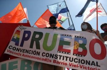 Chilenos elegem neste fim de semana a Assembleia que reformará Constituição do país; por regra, número de homens e mulheres deverá ser igual