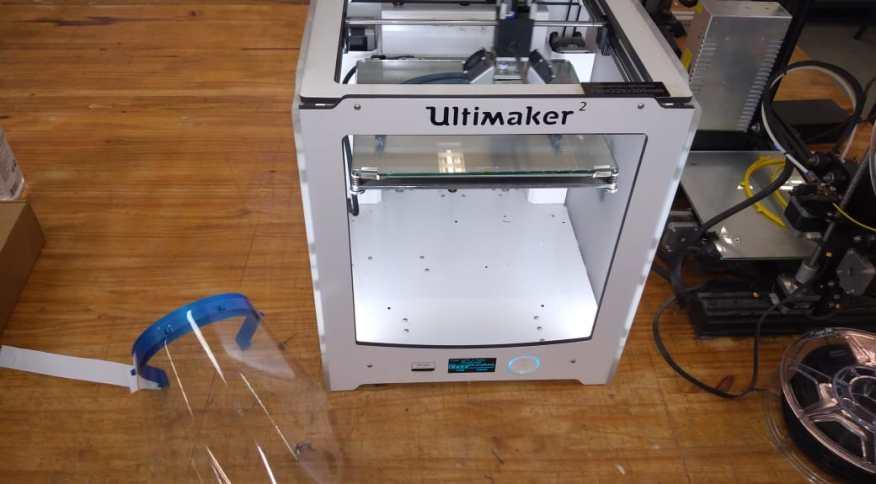 Impressoras 3D serão usadas para fabricação de viseiras que serão doadas ao SUS