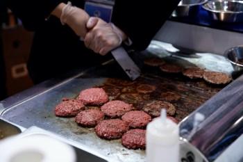 Com isso, a maior produtora de hambúrgueres do mundo concluiu a criação da PlantPlus Foods, sediada nos Estados Unidos