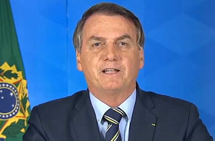 O presidente Jair Bolsonaro faz pronunciamento sobre o novo coronavírus