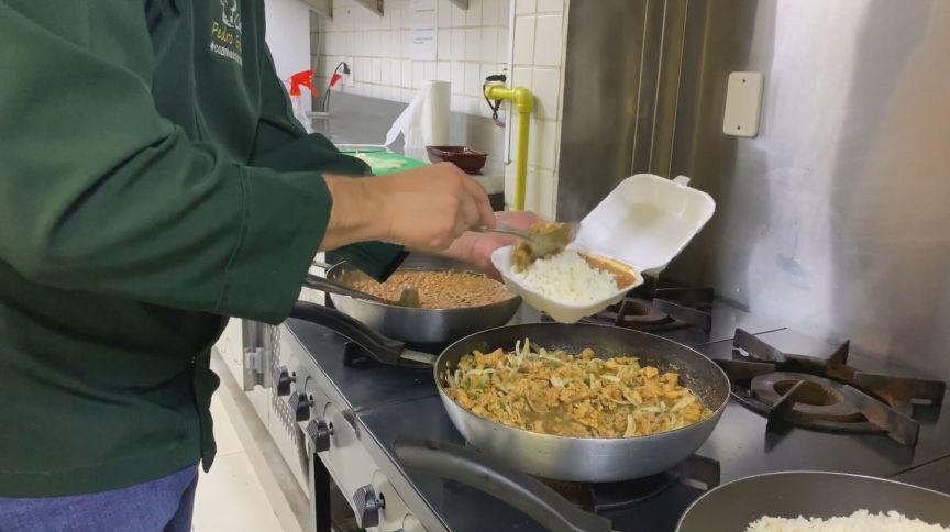 Restaurante em Goiás oferece a refeições a preço simbólico (24.mar.2020)