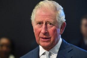 O príncipe Charles foi visitar o pai, o príncipe Philip, na tarde deste sábado (20) em um hospital de Londres, onde ele está internado