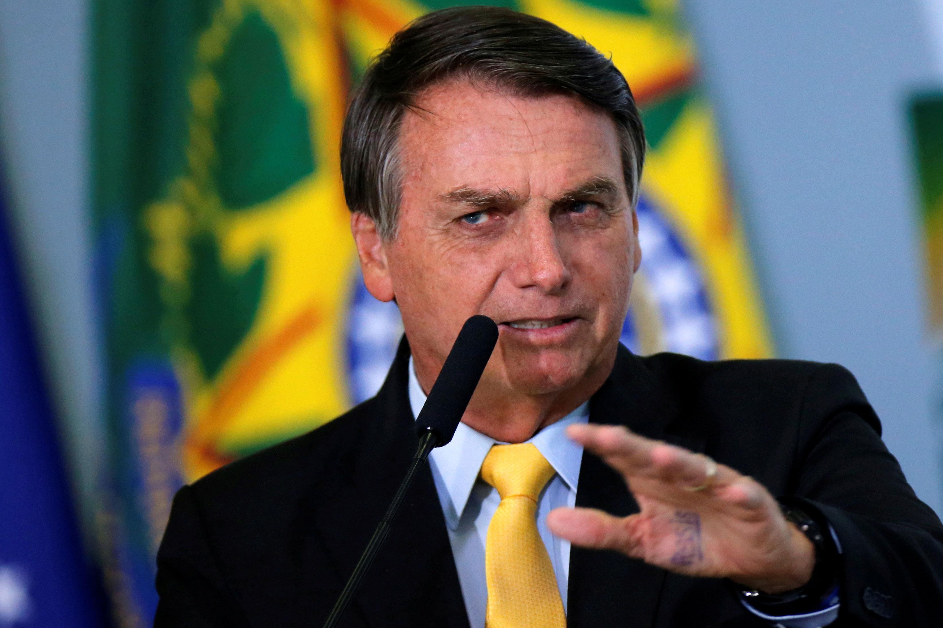 Bolsonaro volta a criticar STF e pede atuação dentro 'das quatro linhas da Constituição' | CNN Brasil