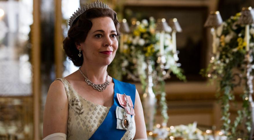 """Olivia Colman como rainha Elizabeth em """"The Crown"""""""