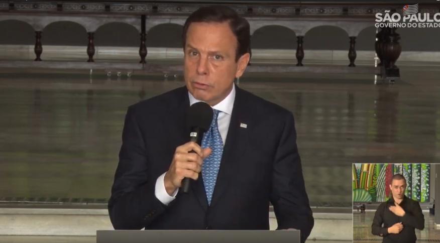 O governador de São Paulo, João Doria, afirmou que o presidente Jair Bolsonaro não deve politizar e transformar em palanque político a crise do coronavírus