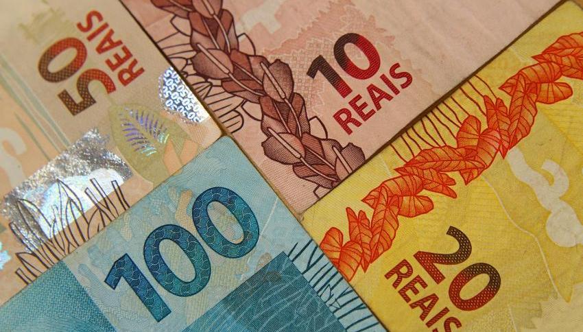 Notas de real: Serasa prorroga feirão de renegociação de dívidas